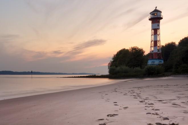 Elbinsel Krautsand, hier erleben Sie am Strand Entspannung pur.